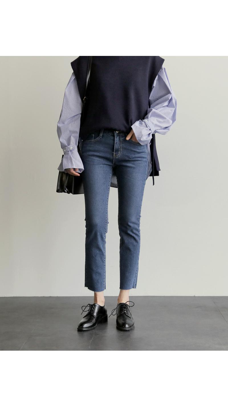 【即納】韓国 ファッション トップス ニット セーター 秋冬春 カジュアル SPTX5258  コーデに可愛げを呼ぶ。リボンディテールのニットベスト オルチャン シンプル 定番 セレカジの写真17枚目