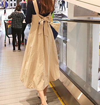 【即納】韓国 ファッション ワンピース 春 夏 秋 カジュアル SPTX5312  サロペットワンピ バックリボン ミモレ丈 ロング オルチャン シンプル 定番 セレカジの写真3枚目
