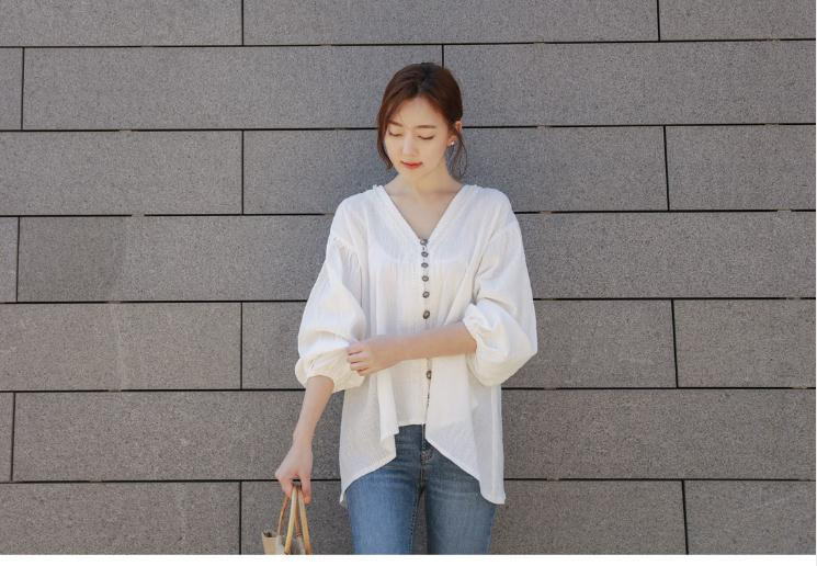 韓国 ファッション トップス ブラウス シャツ 春 夏 カジュアル PTX6900  オーバーサイズ ドロップショルダー Vネック フィッシュテール プルオーバー オルチャン シンプル 定番 セレカジの写真2枚目
