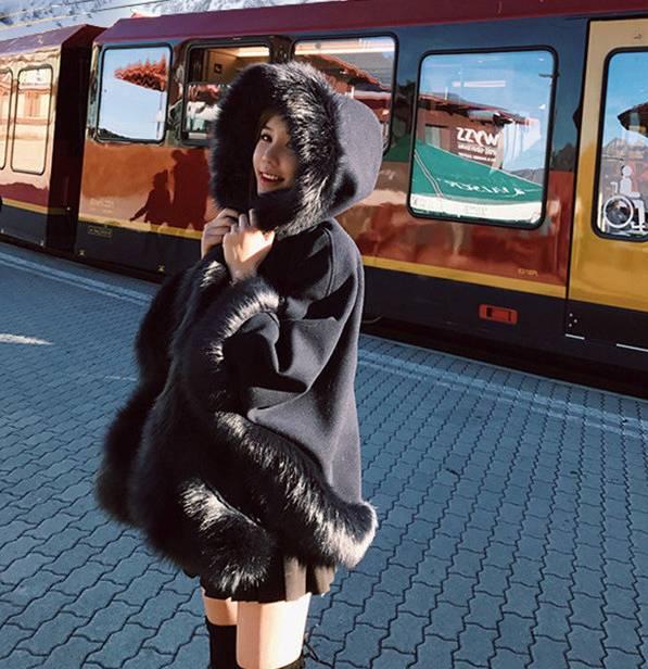 【即納】韓国 ファッション アウター ムートン ファーコート 秋 冬 カジュアル SPTX8010  Aライン ビッグファー エコファー もこもこ ショート オルチャン シンプル 定番 セレカジの写真2枚目