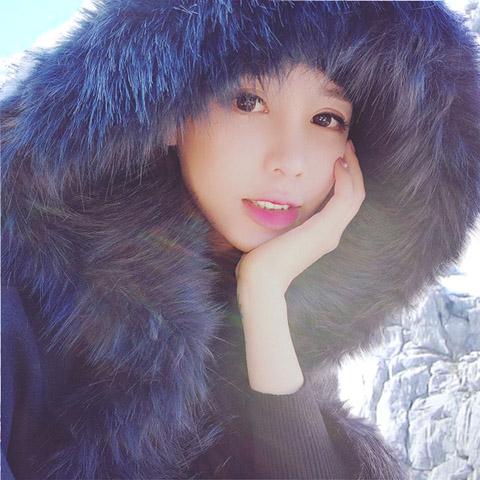 【即納】韓国 ファッション アウター ムートン ファーコート 秋 冬 カジュアル SPTX8010  Aライン ビッグファー エコファー もこもこ ショート オルチャン シンプル 定番 セレカジの写真3枚目