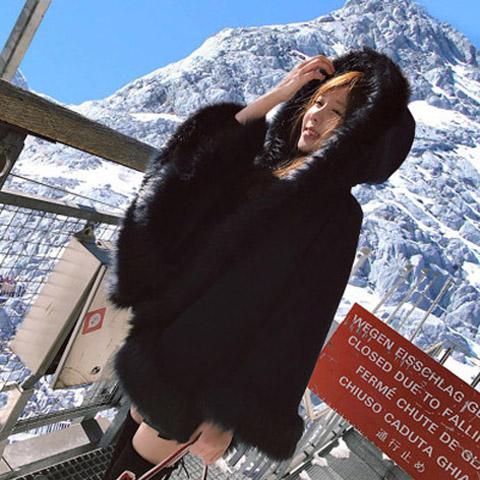 【即納】韓国 ファッション アウター ムートン ファーコート 秋 冬 カジュアル SPTX8010  Aライン ビッグファー エコファー もこもこ ショート オルチャン シンプル 定番 セレカジの写真4枚目