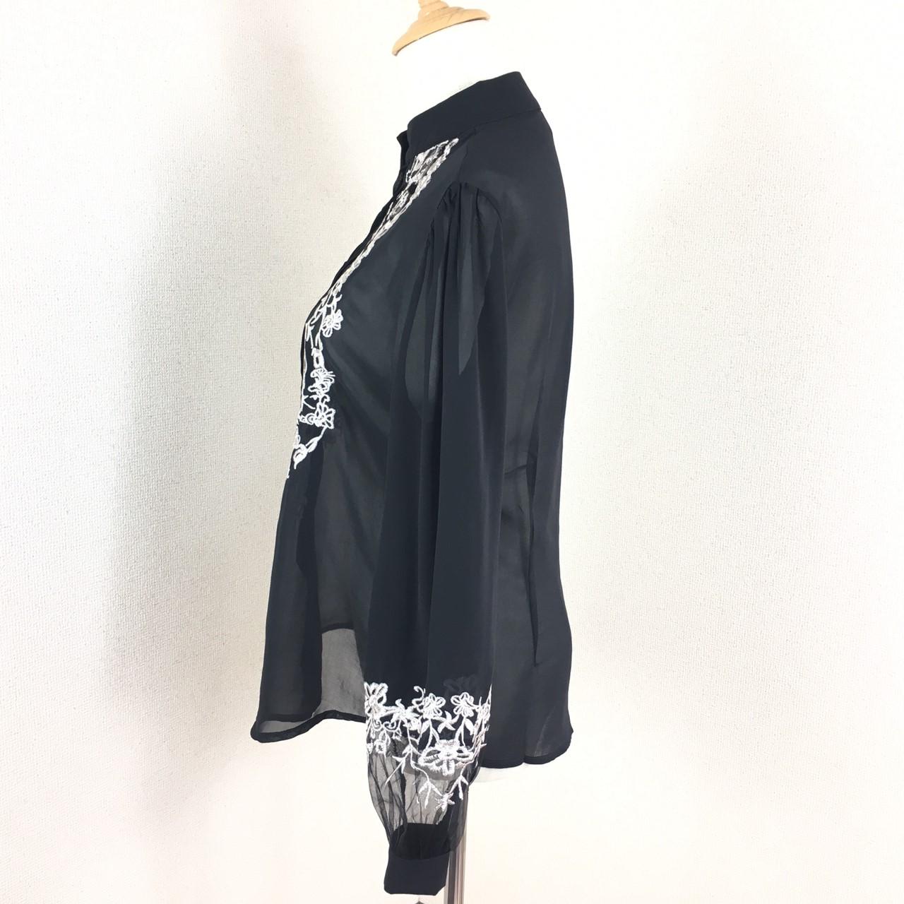 「凛と着こなす♪」黒地に刺繍が映える☆知的ブラウス 夏 春 PTX8814の写真11枚目