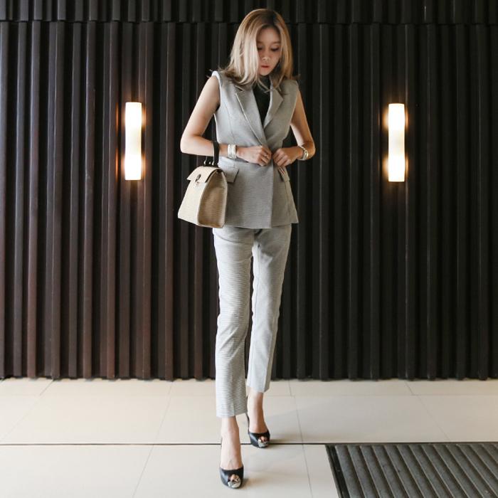 【即納】韓国 ファッション パンツ セットアップ パーティードレス 結婚式 お呼ばれドレス 春 夏 パーティー ブライダル SPTX9206  ノースリーブジャケット テーパ 二次会 セレブ きれいめの写真3枚目