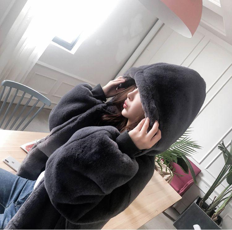 【即納】韓国 ファッション アウター ムートン ファーコート 秋 冬 カジュアル SPTXC599  もこもこ ふわふわ エコファー パーカー オーバーサイズ フ オルチャン シンプル 定番 セレカジの写真4枚目