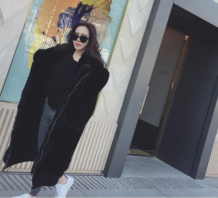 【即納】韓国 ファッション アウター ムートン ファーコート 秋 冬 カジュアル SPTXC599  もこもこ ふわふわ エコファー パーカー オーバーサイズ フ オルチャン シンプル 定番 セレカジの写真9枚目