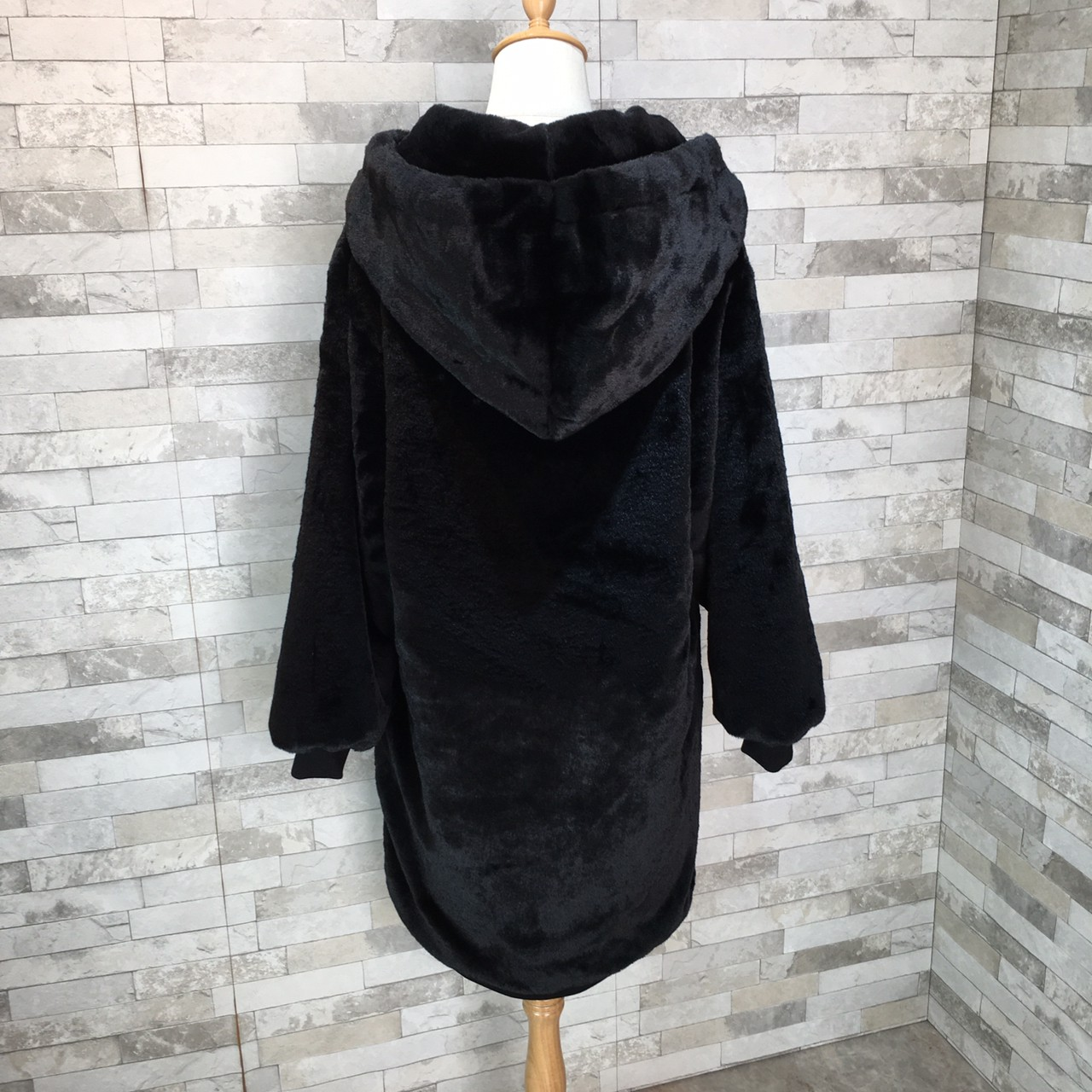 【即納】韓国 ファッション アウター ムートン ファーコート 秋 冬 カジュアル SPTXC599  もこもこ ふわふわ エコファー パーカー オーバーサイズ フ オルチャン シンプル 定番 セレカジの写真11枚目