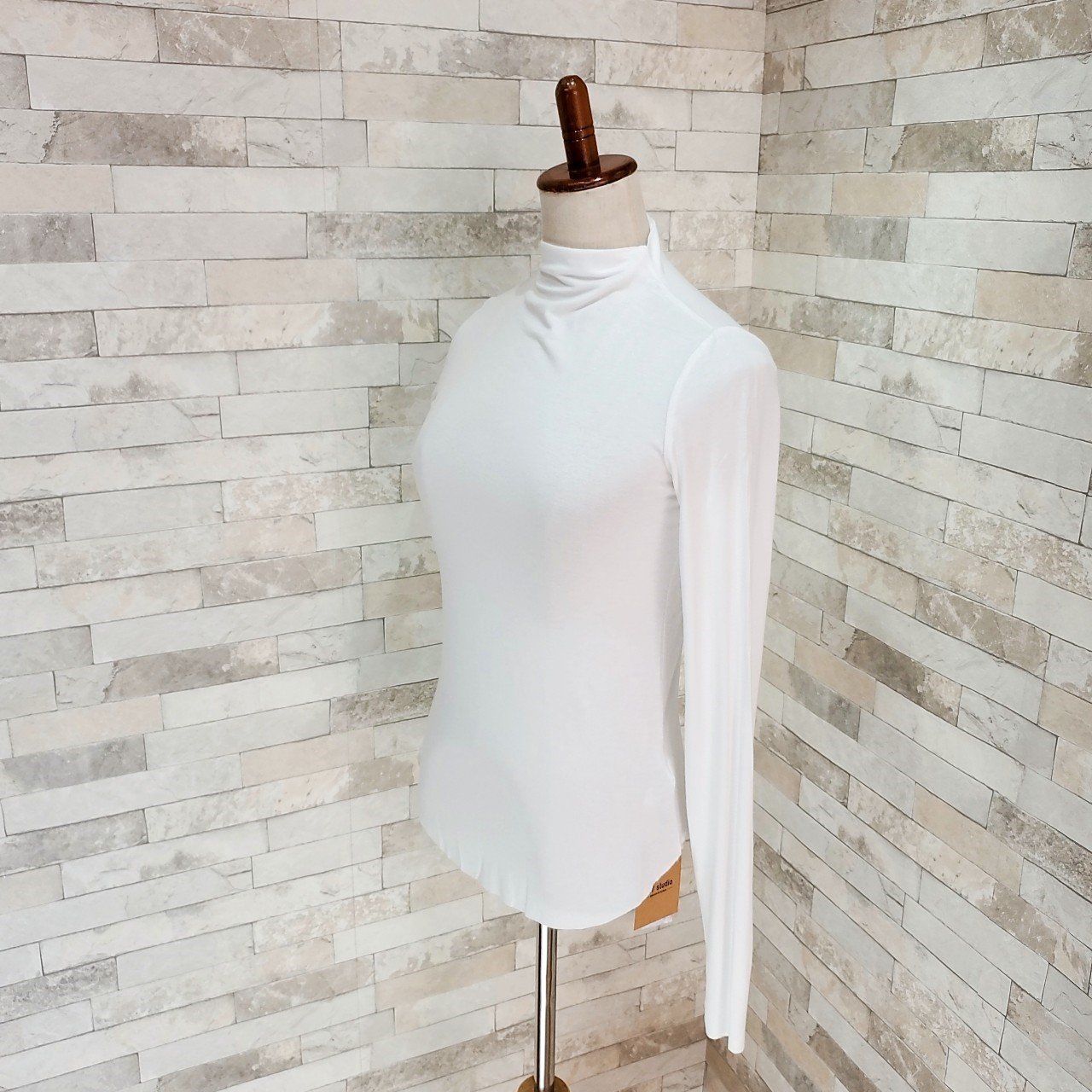 【即納】韓国 ファッション トップス Tシャツ カットソー 秋 冬 カジュアル SPTXD048  ボトルネック ハイネック ロンT ベーシック タイト ジャケッ オルチャン シンプル 定番 セレカジの写真18枚目