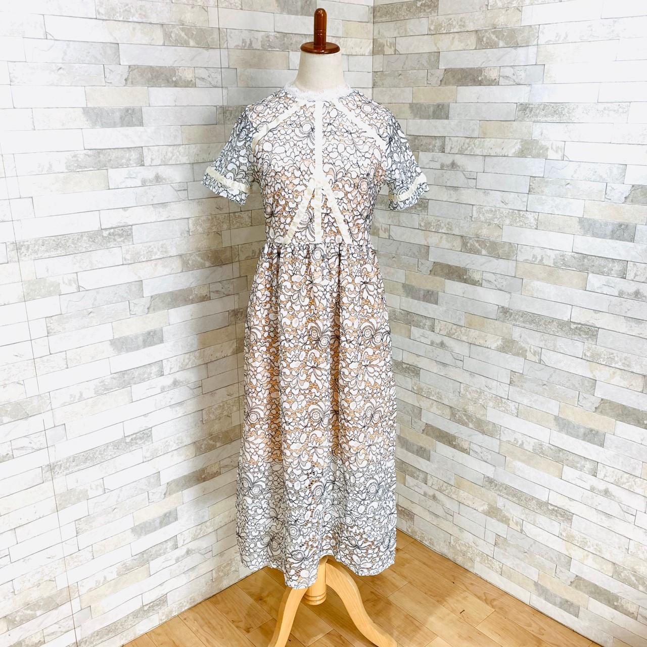 【即納】韓国 ファッション ワンピース パーティードレス ロング マキシ 夏 春 パーティー ブライダル SPTXE760 結婚式 お呼ばれ 総レース スタンドカラー ギャザ 二次会 セレブ きれいめの写真2枚目