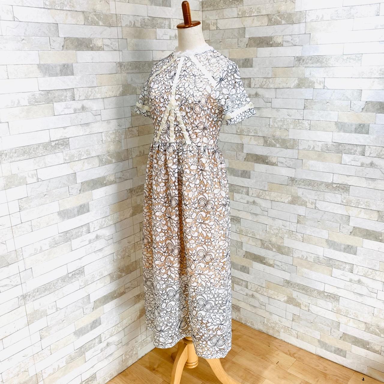 【即納】韓国 ファッション ワンピース パーティードレス ロング マキシ 夏 春 パーティー ブライダル SPTXE760 結婚式 お呼ばれ 総レース スタンドカラー ギャザ 二次会 セレブ きれいめの写真3枚目