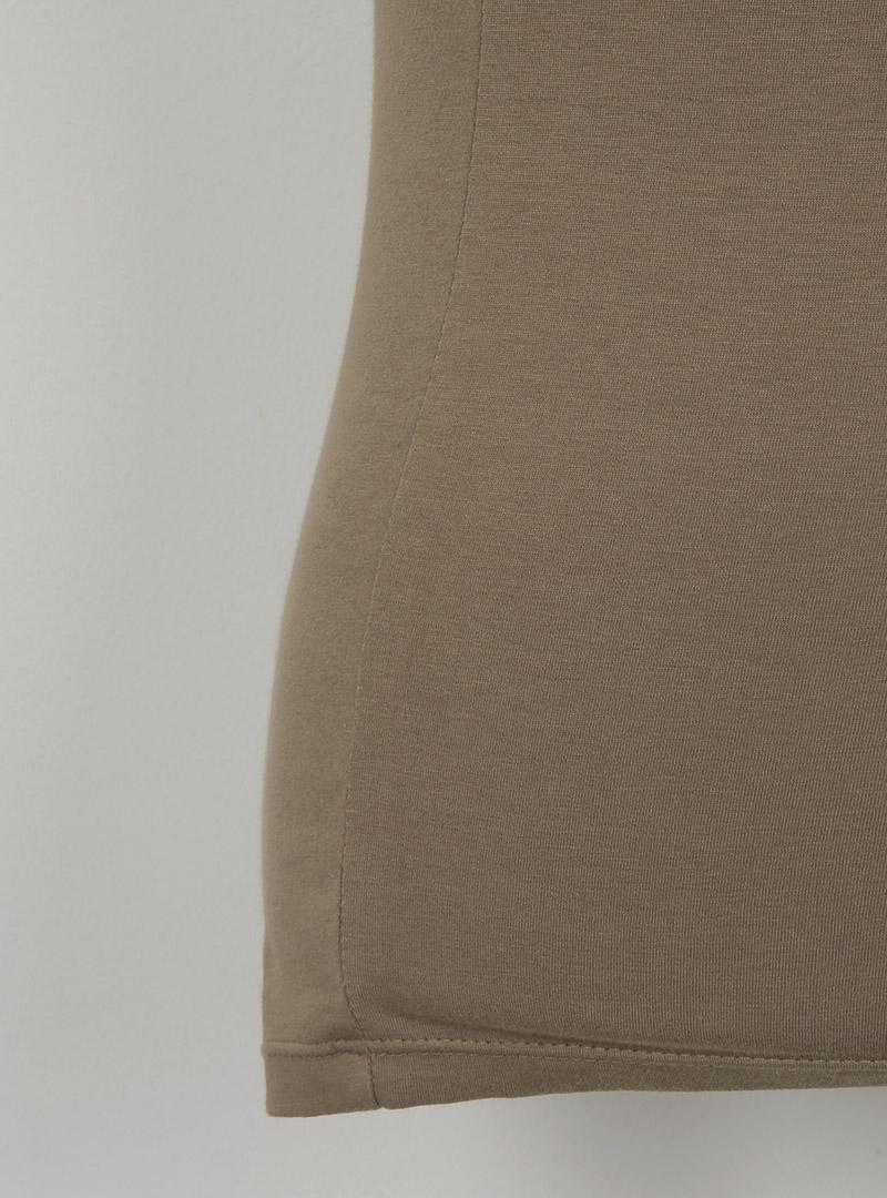韓国 ファッション トップス タンクトップ 春 夏 カジュアル PTXF924  アシンメトリー カットオフ 肌見せ ノースリーブ スポーティ オルチャン シンプル 定番 セレカジの写真19枚目