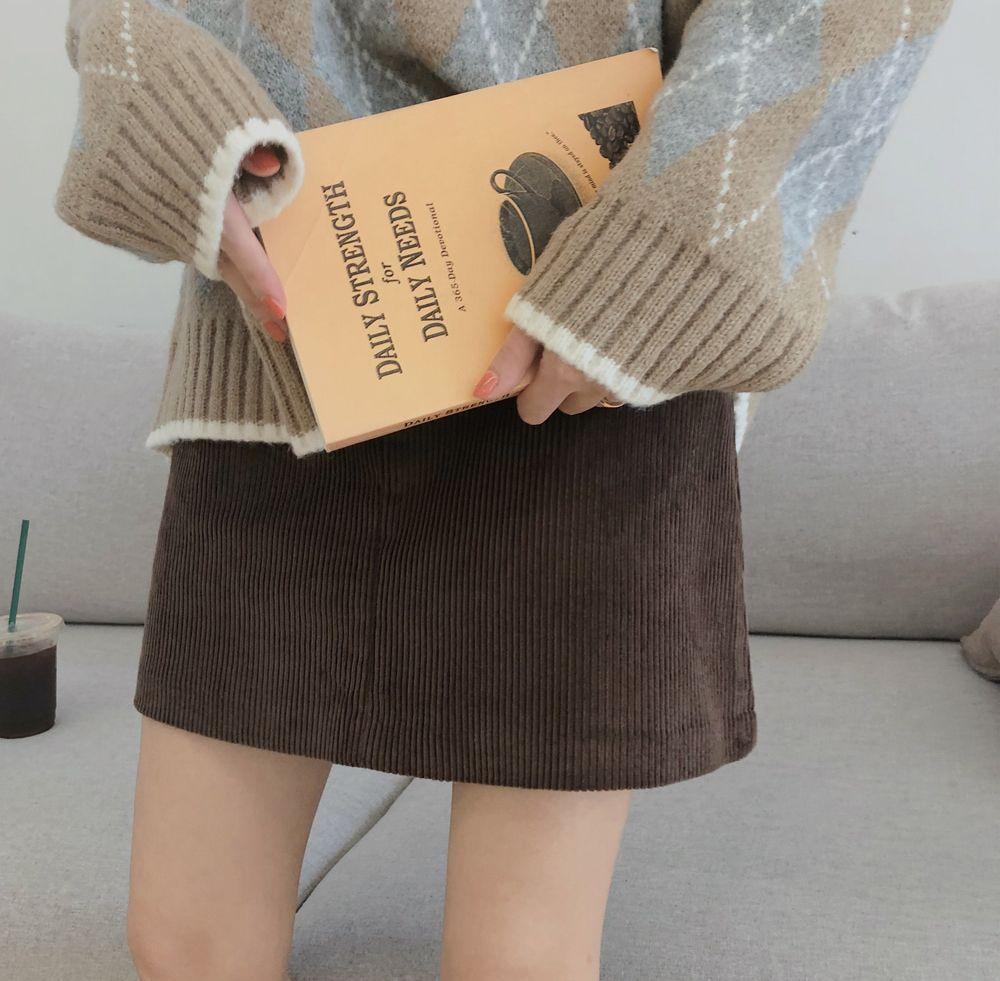 【即納】韓国 ファッション スカート ミニ ボトムス 秋 冬 カジュアル SPTXG567  コーデュロイ ベイクドカラー ガーリー オルチャン シンプル 定番 セレカジの写真6枚目