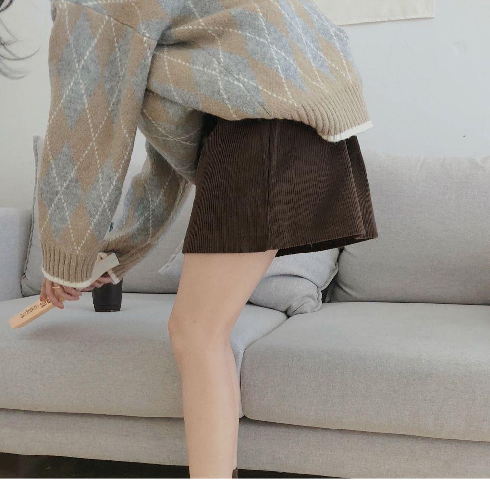 【即納】韓国 ファッション スカート ミニ ボトムス 秋 冬 カジュアル SPTXG567  コーデュロイ ベイクドカラー ガーリー オルチャン シンプル 定番 セレカジの写真7枚目