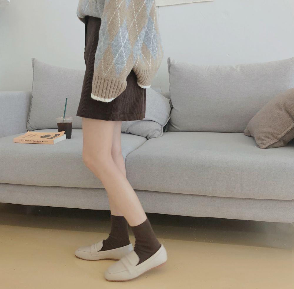 【即納】韓国 ファッション スカート ミニ ボトムス 秋 冬 カジュアル SPTXG567  コーデュロイ ベイクドカラー ガーリー オルチャン シンプル 定番 セレカジの写真8枚目