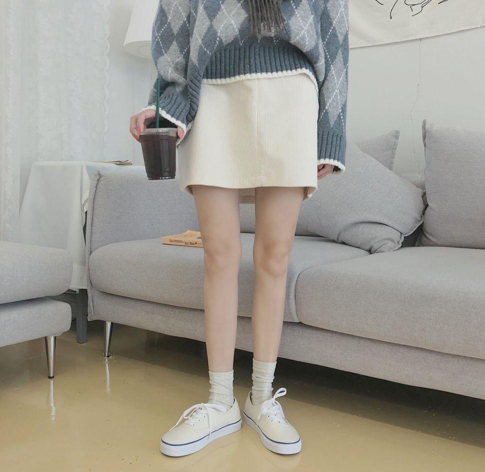 【即納】韓国 ファッション スカート ミニ ボトムス 秋 冬 カジュアル SPTXG567  コーデュロイ ベイクドカラー ガーリー オルチャン シンプル 定番 セレカジの写真11枚目