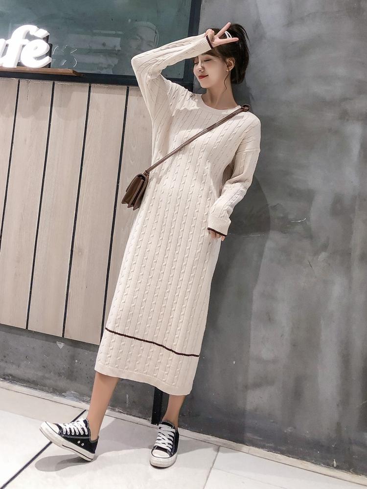 韓国 ファッション ワンピース 秋 冬 カジュアル PTXG624  ライン ケーブルニットワンピース ゆるタイト オルチャン シンプル 定番 セレカジの写真4枚目