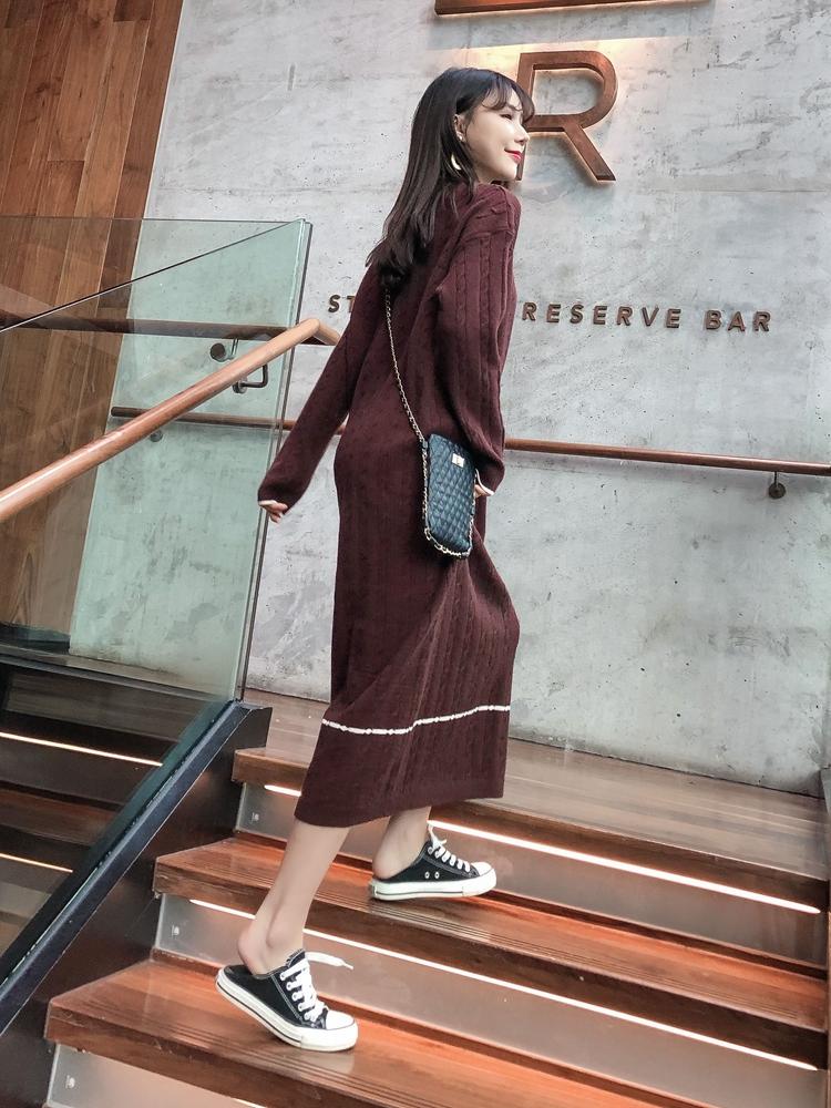 韓国 ファッション ワンピース 秋 冬 カジュアル PTXG624  ライン ケーブルニットワンピース ゆるタイト オルチャン シンプル 定番 セレカジの写真6枚目