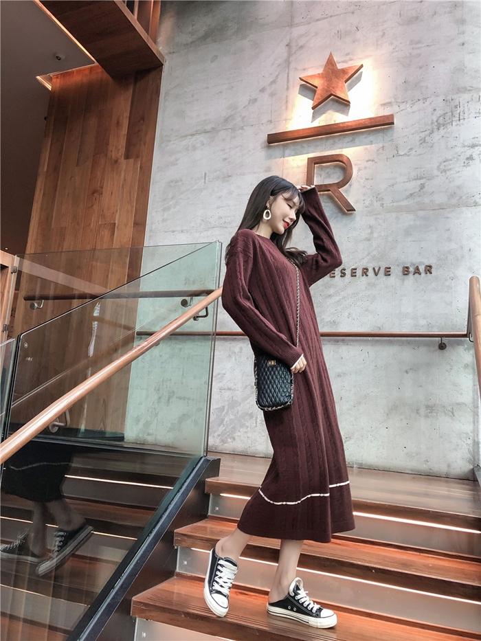 韓国 ファッション ワンピース 秋 冬 カジュアル PTXG624  ライン ケーブルニットワンピース ゆるタイト オルチャン シンプル 定番 セレカジの写真9枚目