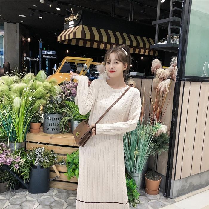 韓国 ファッション ワンピース 秋 冬 カジュアル PTXG624  ライン ケーブルニットワンピース ゆるタイト オルチャン シンプル 定番 セレカジの写真14枚目