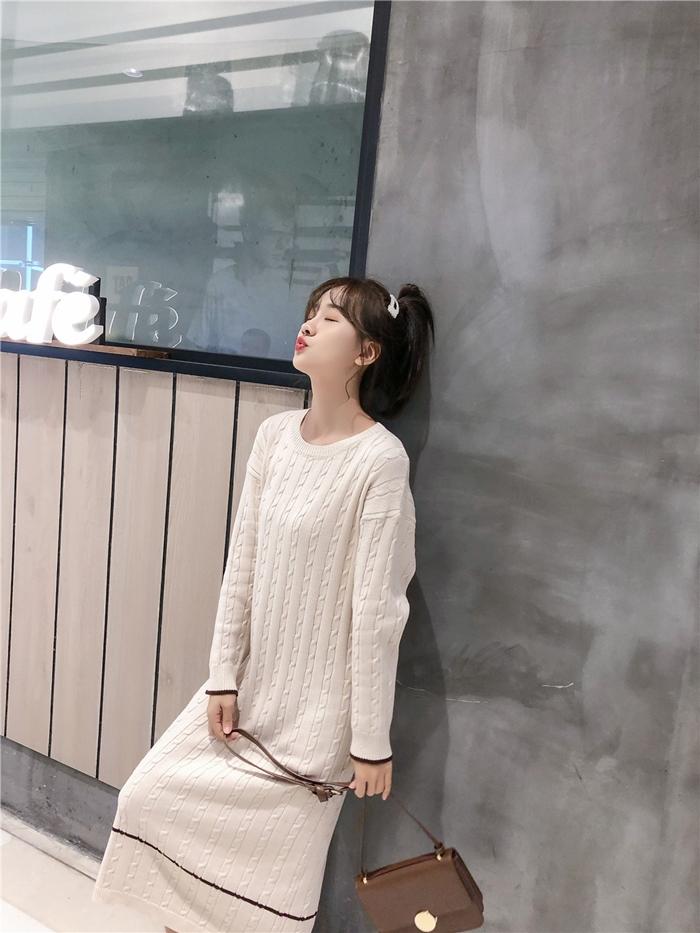 韓国 ファッション ワンピース 秋 冬 カジュアル PTXG624  ライン ケーブルニットワンピース ゆるタイト オルチャン シンプル 定番 セレカジの写真15枚目