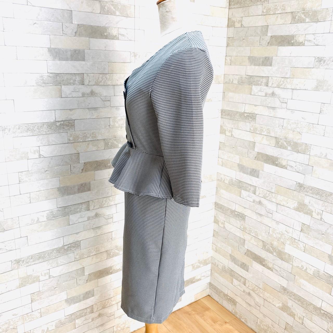 【即納】韓国 ファッション ワンピース パーティードレス ショート ミニ丈 秋 冬 パーティー ブライダル SPTXG941 結婚式 お呼ばれ モノトーン ノーカラー ペプラ 二次会 セレブ きれいめの写真18枚目
