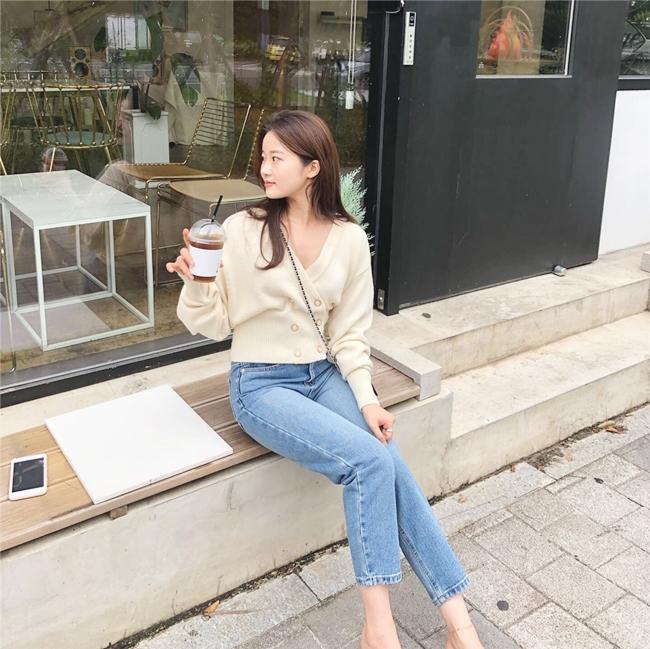 韓国 ファッション トップス ニット セーター 秋 冬 カジュアル PTXH015  深Vネック パールボタン カーディガン リブ オルチャン シンプル 定番 セレカジの写真9枚目