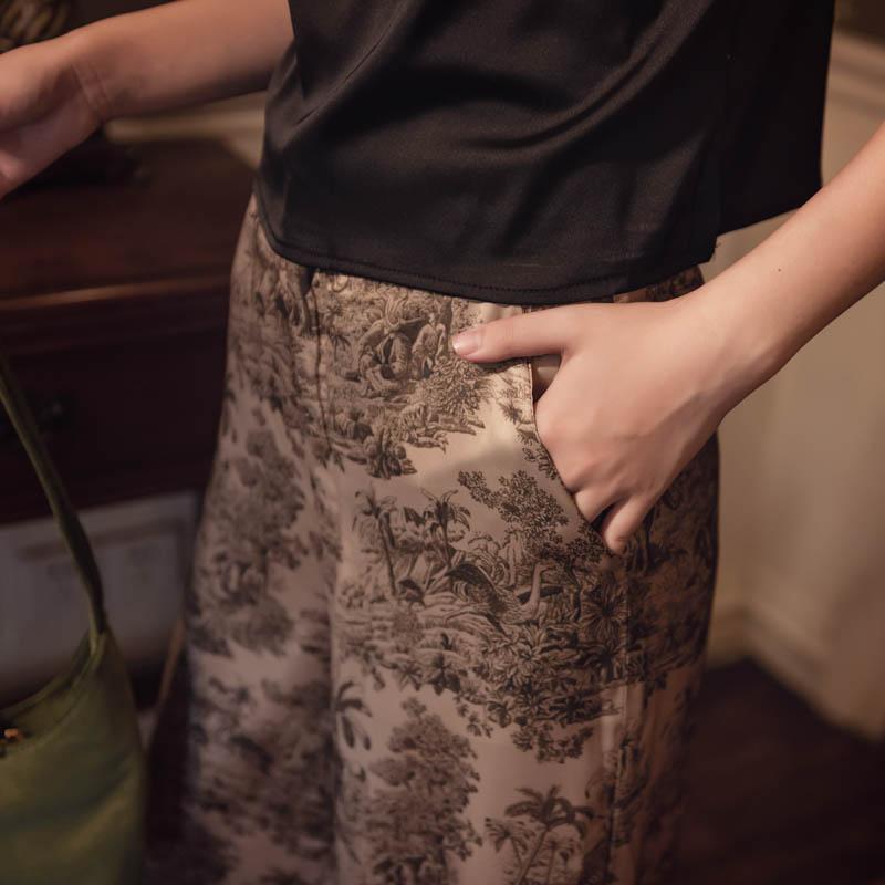 韓国 ファッション パンツ ボトムス 春 夏 リゾート パーティー PTXH376  サテン風 光沢 レトロ リラクシー リゾート オルチャン セレブ セクシーの写真6枚目