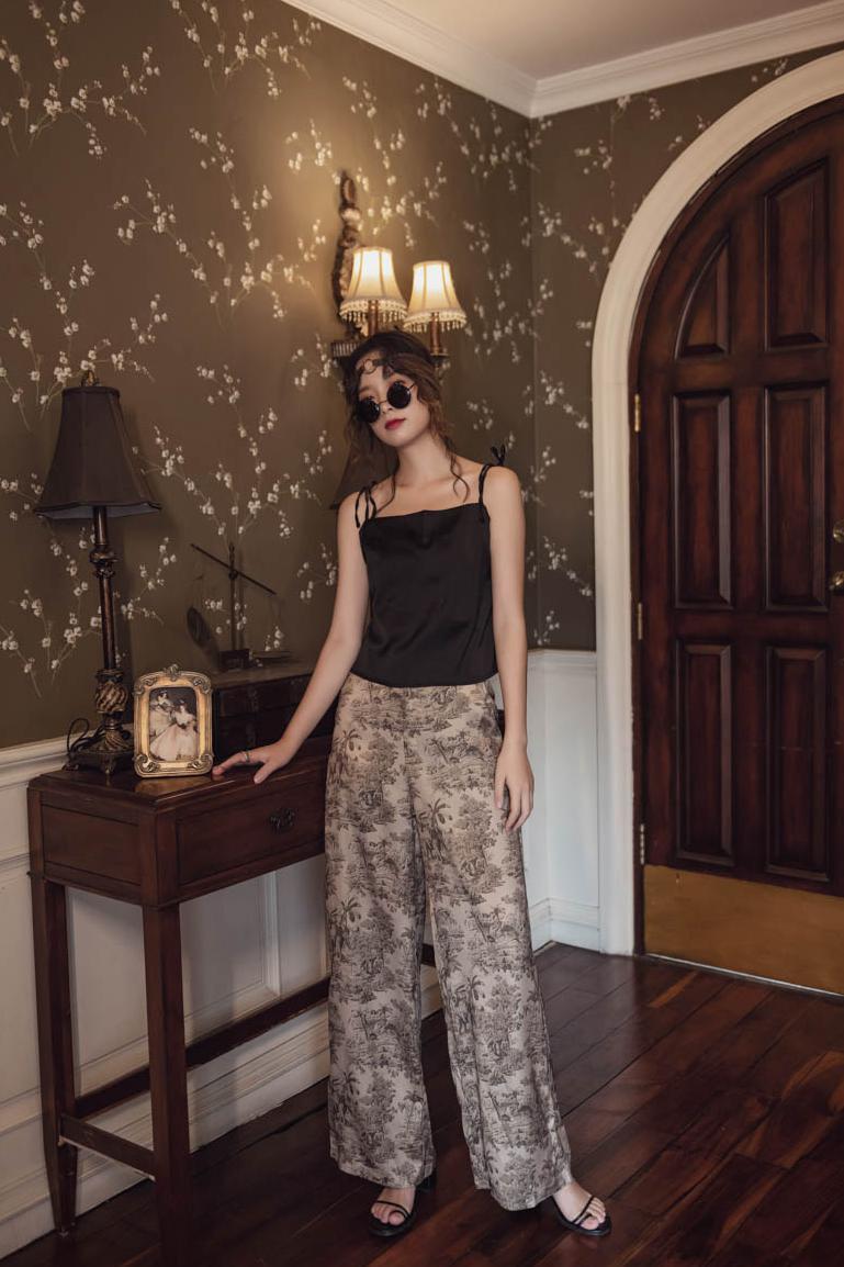 韓国 ファッション パンツ ボトムス 春 夏 リゾート パーティー PTXH376  サテン風 光沢 レトロ リラクシー リゾート オルチャン セレブ セクシーの写真7枚目