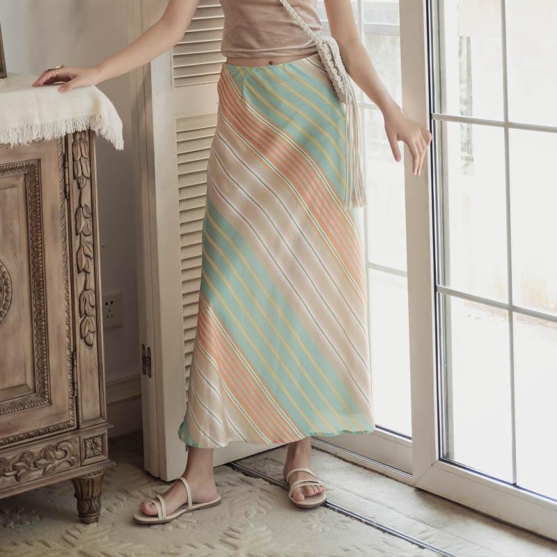韓国 ファッション スカート ボトムス 春 夏 リゾート パーティー PTXH384  バイアス シャーベットカラー マキシ リゾート オルチャン セレブ セクシーの写真3枚目