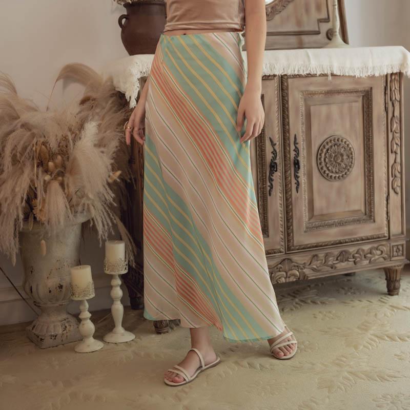 韓国 ファッション スカート ボトムス 春 夏 リゾート パーティー PTXH384  バイアス シャーベットカラー マキシ リゾート オルチャン セレブ セクシーの写真4枚目