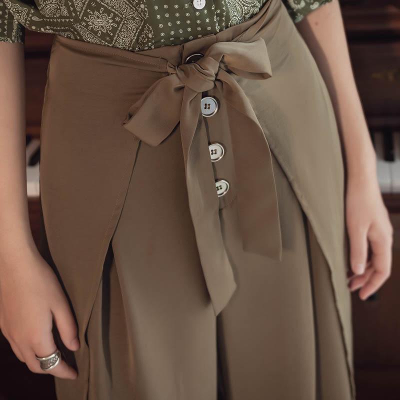 韓国 ファッション パンツ ボトムス 春 夏 リゾート パーティー PTXH390  スリットパンツ風 ウエストリボン リゾート オルチャン セレブ セクシーの写真6枚目
