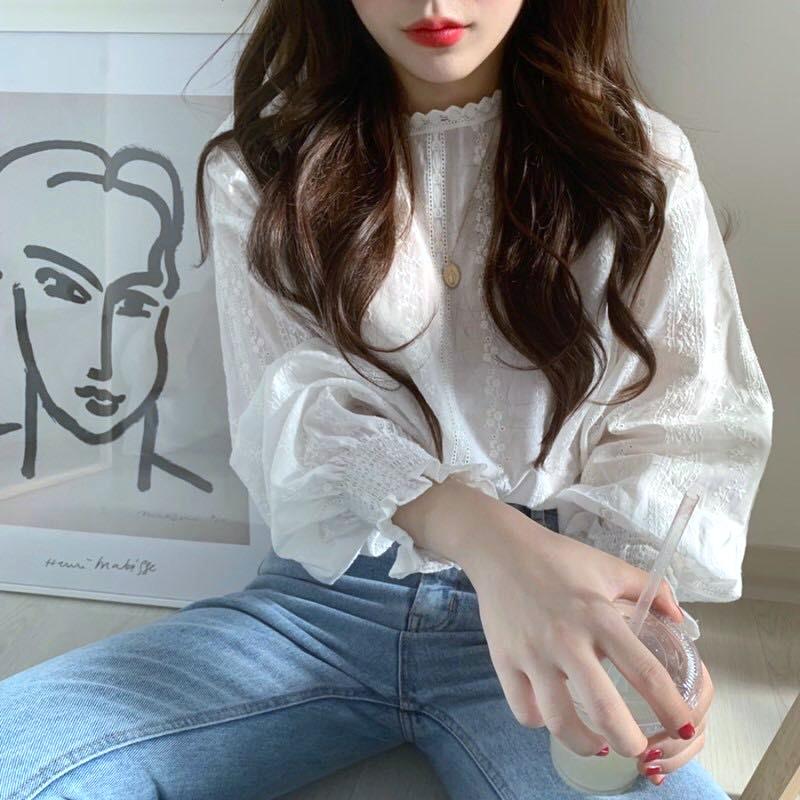 韓国 ファッション トップス ブラウス シャツ 春 夏 カジュアル PTXH429  刺繍 パンチングレース ガーリー プルオーバー オルチャン シンプル 定番 セレカジの写真4枚目