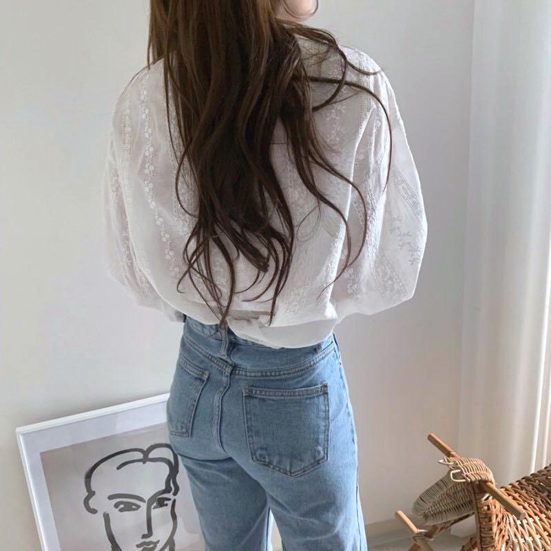 韓国 ファッション トップス ブラウス シャツ 春 夏 カジュアル PTXH429  刺繍 パンチングレース ガーリー プルオーバー オルチャン シンプル 定番 セレカジの写真5枚目