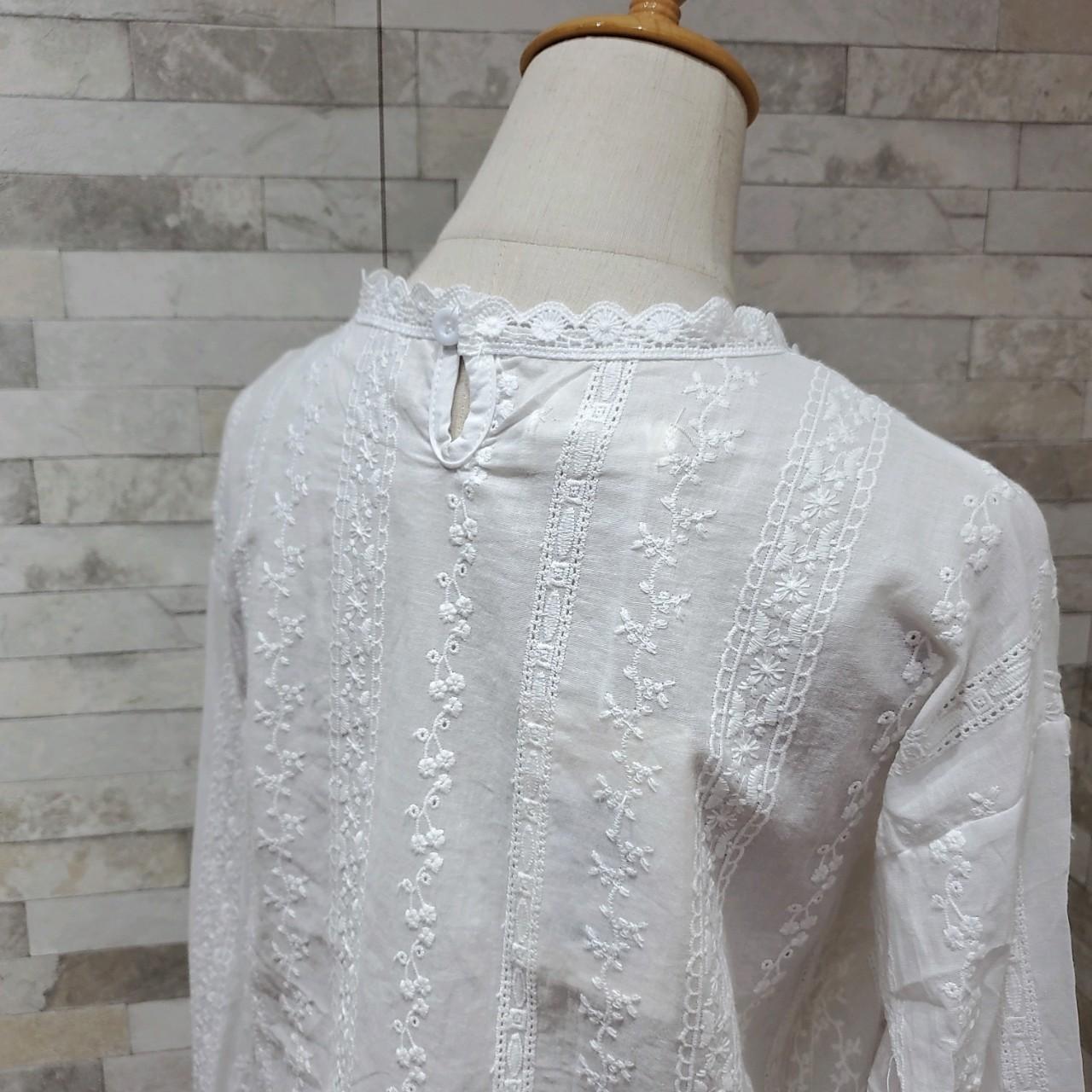 韓国 ファッション トップス ブラウス シャツ 春 夏 カジュアル PTXH429  刺繍 パンチングレース ガーリー プルオーバー オルチャン シンプル 定番 セレカジの写真16枚目
