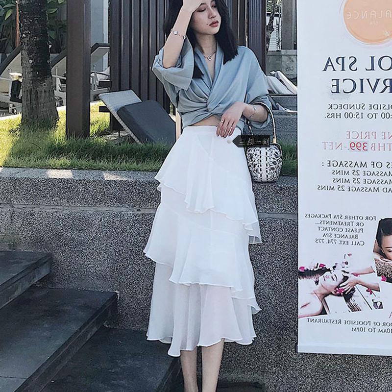 韓国 ファッション セットアップ 春 夏 カジュアル PTXH438  ツイスト シャツ シアー アシンメトリー オルチャン シンプル 定番 セレカジの写真2枚目
