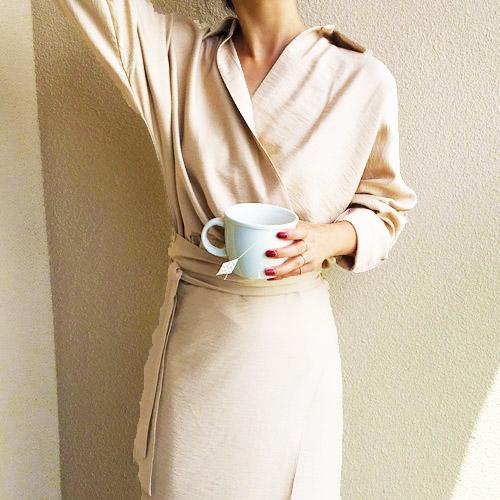 韓国 ファッション ワンピース 春 秋 冬 カジュアル PTXH836  カシュクール 襟付き ウエストマーク オフィス オルチャン シンプル 定番 セレカジの写真3枚目