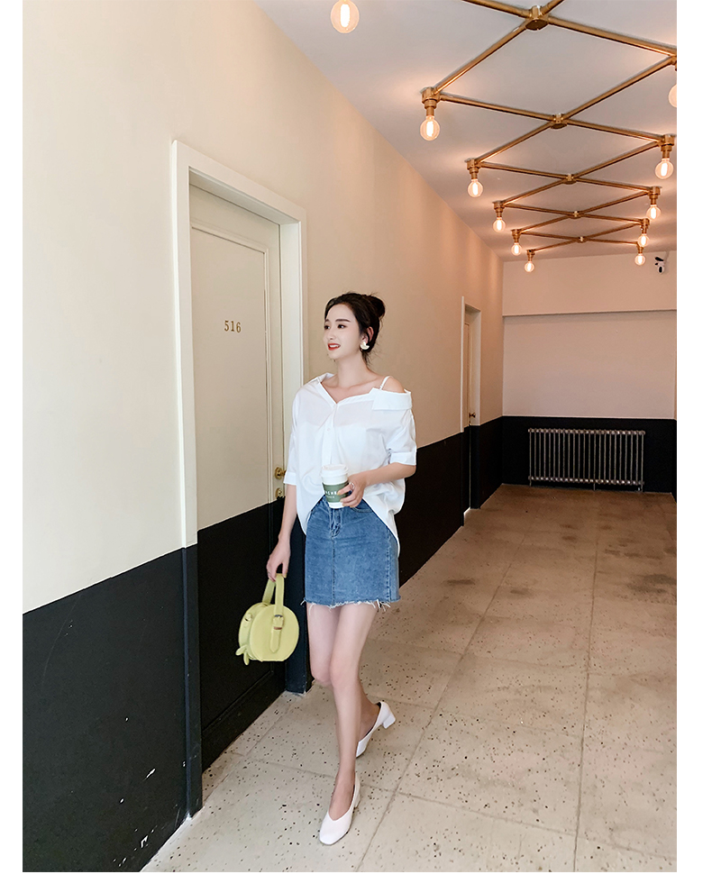 韓国 ファッション トップス ブラウス シャツ 春 夏 秋 カジュアル PTXH959  ワンショルダー アシンメトリー 肩見せ ラフ オルチャン シンプル 定番 セレカジの写真20枚目