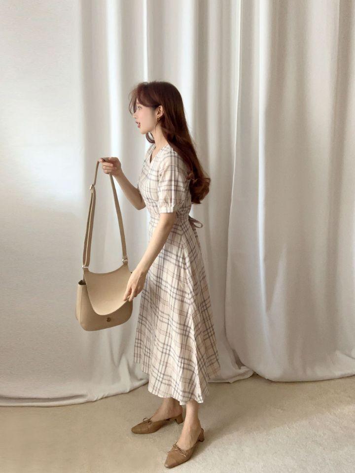 韓国 ファッション ワンピース 春 夏 秋 カジュアル PTXH965  チェック Vネック バックリボン フェミニン オルチャン シンプル 定番 セレカジの写真14枚目