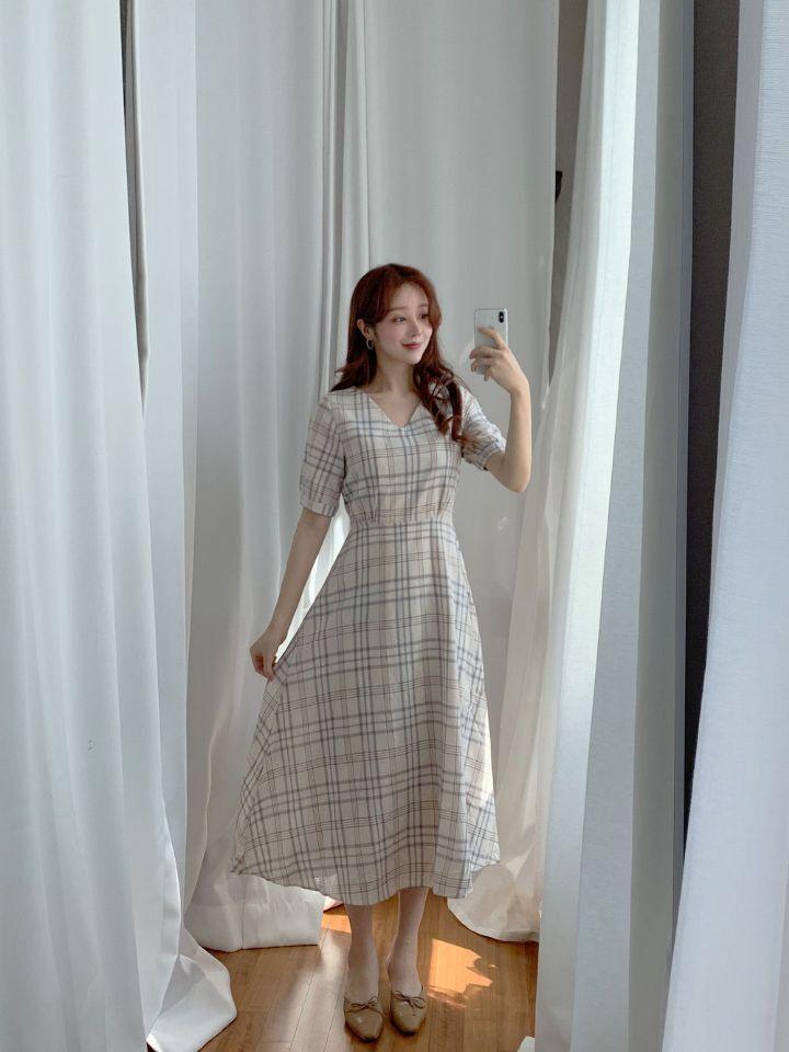 韓国 ファッション ワンピース 春 夏 秋 カジュアル PTXH965  チェック Vネック バックリボン フェミニン オルチャン シンプル 定番 セレカジの写真16枚目