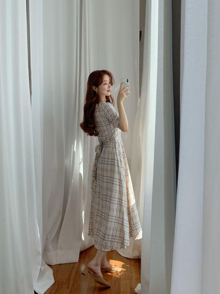 韓国 ファッション ワンピース 春 夏 秋 カジュアル PTXH965  チェック Vネック バックリボン フェミニン オルチャン シンプル 定番 セレカジの写真17枚目