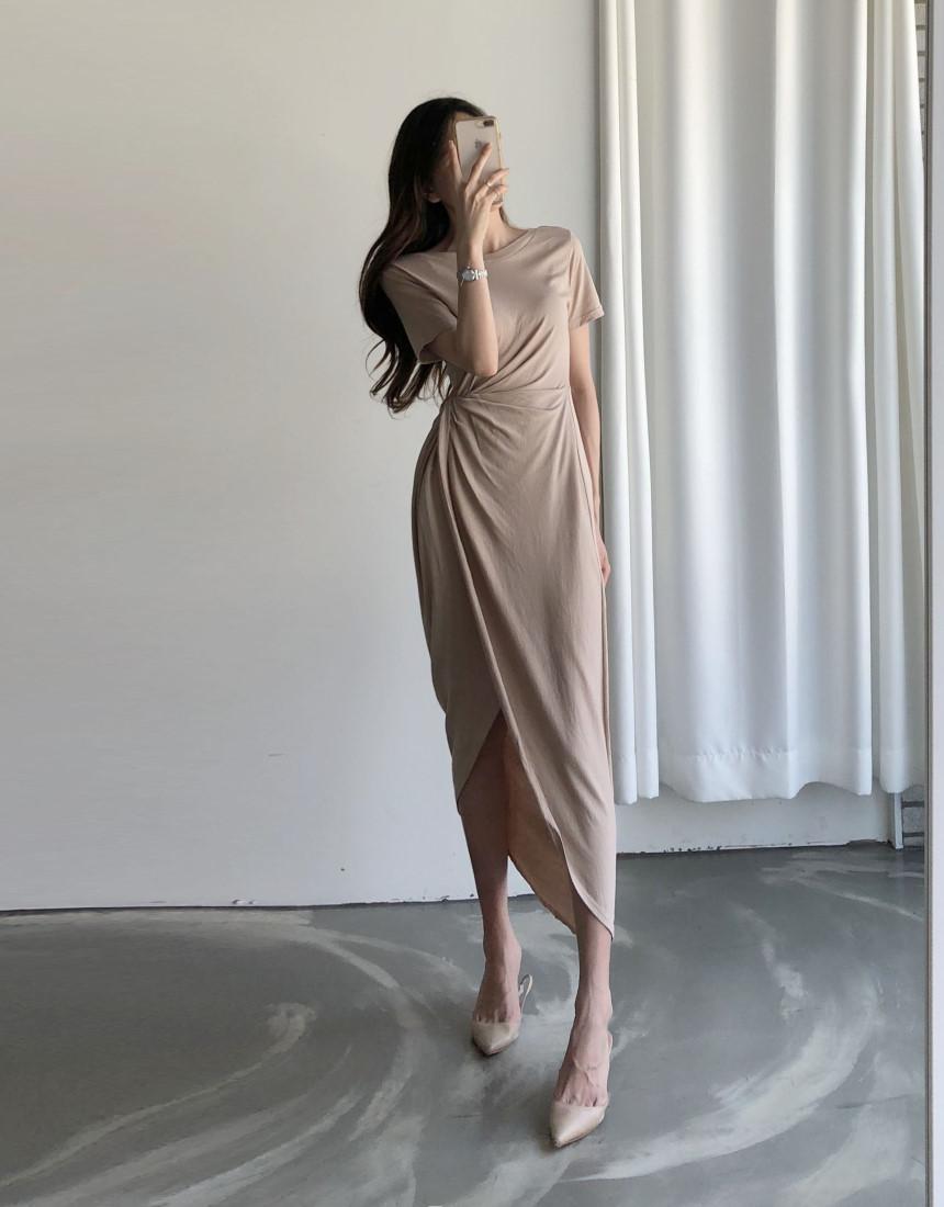 韓国 ファッション ワンピース 夏 春 カジュアル PTXI188  アシンメトリー ツイスト ドレープ スリット オルチャン シンプル 定番 セレカジの写真4枚目