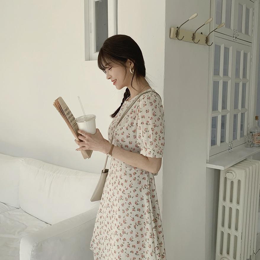 韓国 ファッション ワンピース 春 夏 カジュアル PTXI413  パフスリーブ ノーカラー フレア キュート オルチャン シンプル 定番 セレカジの写真8枚目