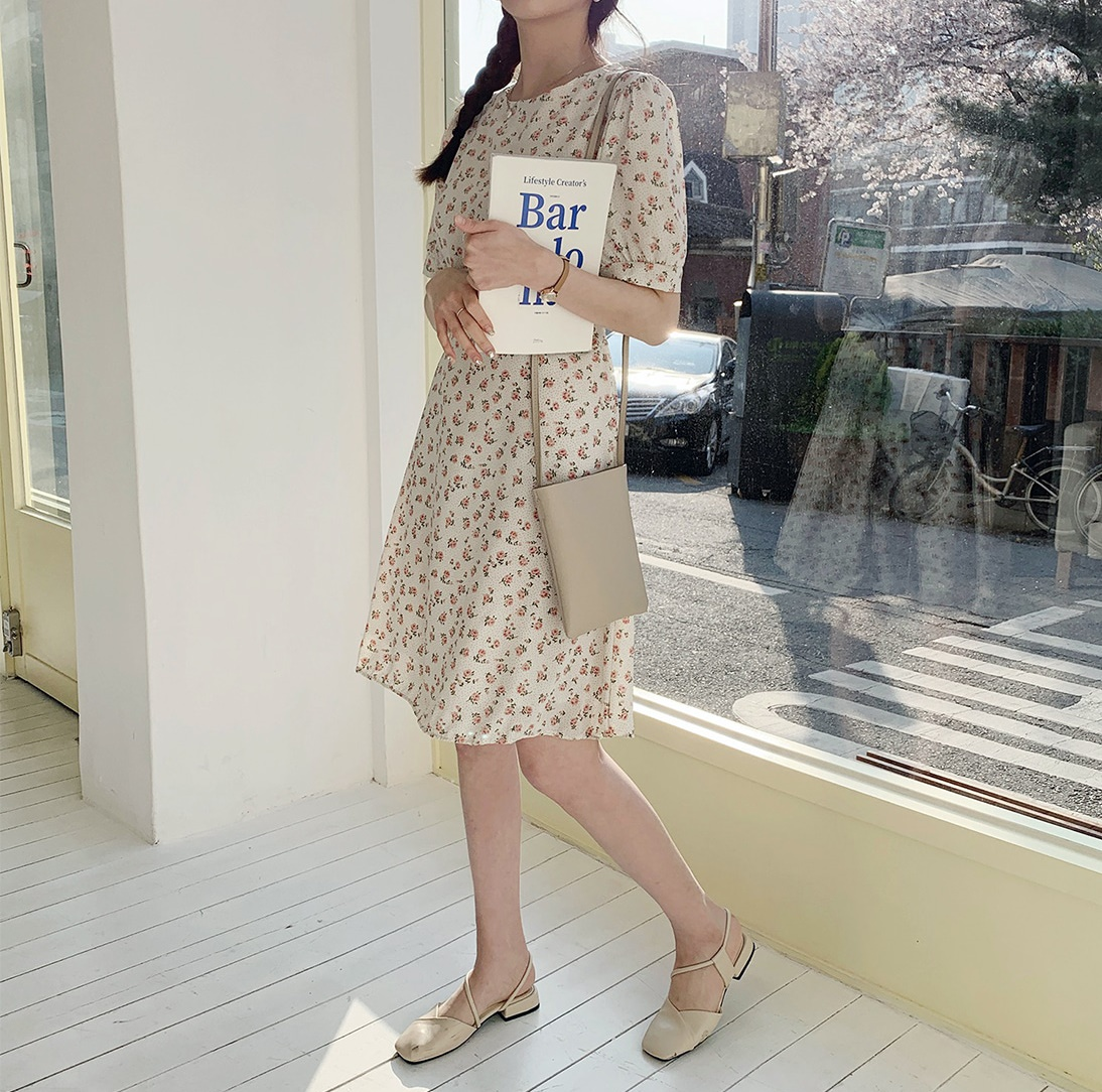 韓国 ファッション ワンピース 春 夏 カジュアル PTXI413  パフスリーブ ノーカラー フレア キュート オルチャン シンプル 定番 セレカジの写真9枚目