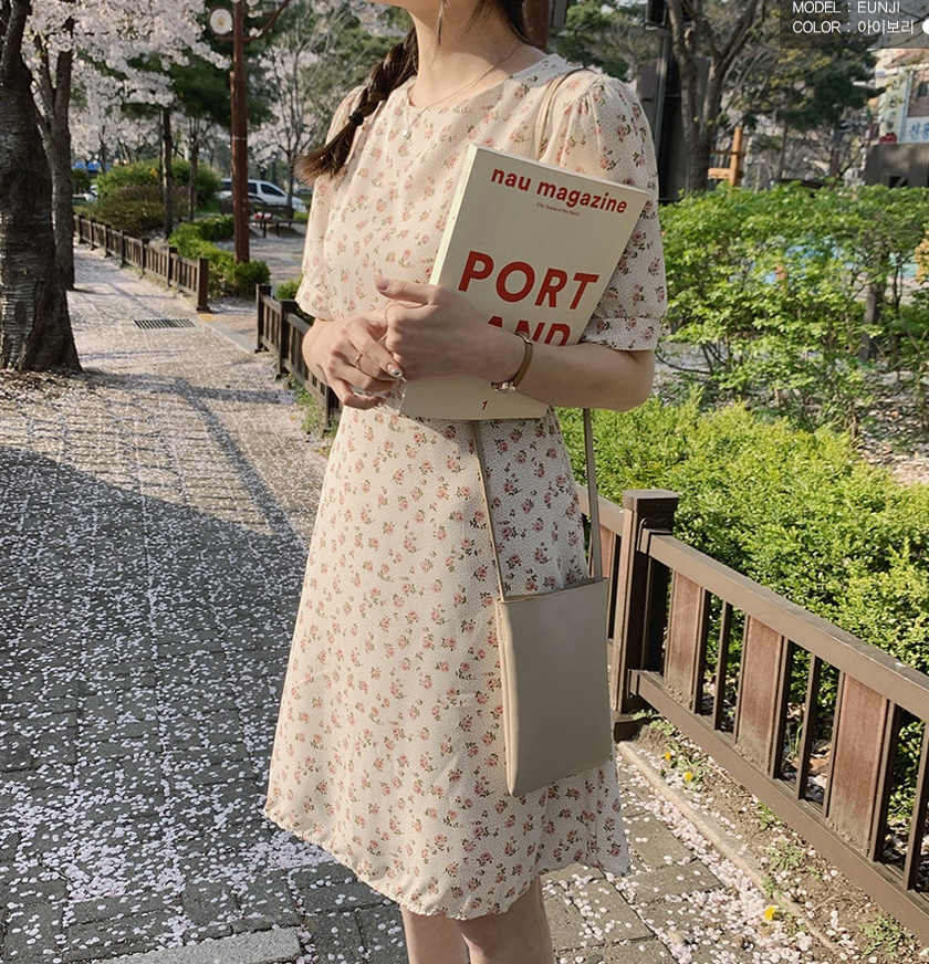 韓国 ファッション ワンピース 春 夏 カジュアル PTXI413  パフスリーブ ノーカラー フレア キュート オルチャン シンプル 定番 セレカジの写真12枚目