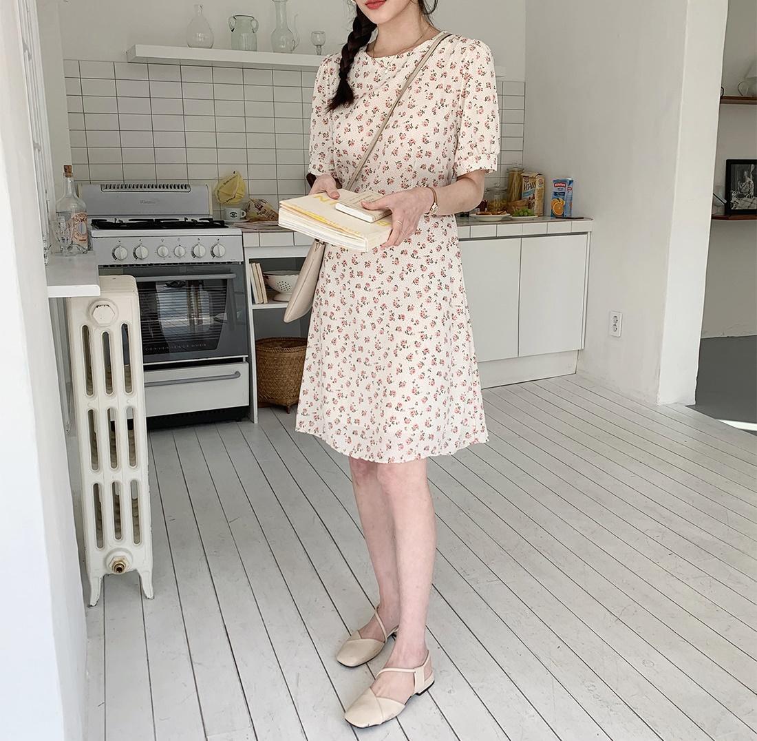 韓国 ファッション ワンピース 春 夏 カジュアル PTXI413  パフスリーブ ノーカラー フレア キュート オルチャン シンプル 定番 セレカジの写真14枚目