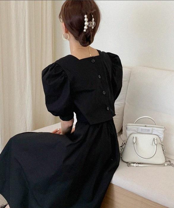 韓国 ファッション ワンピース 春 夏 カジュアル PTXI432  バックコンシャス パフスリーブ フェミニン オルチャン シンプル 定番 セレカジの写真3枚目