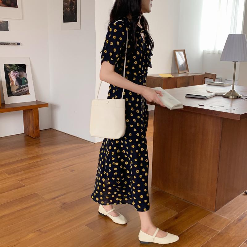 韓国 ファッション ワンピース 夏 春 カジュアル PTXI530  パフスリーブ カシュクール ラッフルカラー オルチャン シンプル 定番 セレカジの写真6枚目