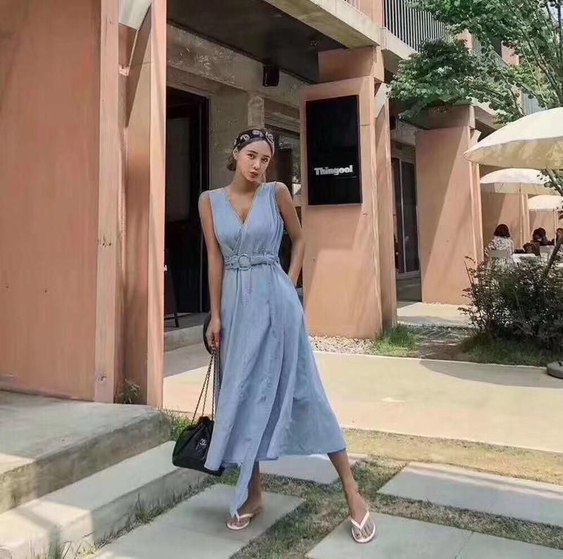 韓国 ファッション ワンピース 夏 春 カジュアル PTXI733  デニム 深Vネック バックコンシャス 背中見せ オルチャン シンプル 定番 セレカジの写真5枚目