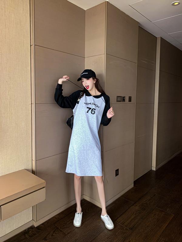 韓国 ファッション ワンピース 春 秋 冬 カジュアル PTXI948  バイカラー ラグランスリーブ フーディ ロゴ オルチャン シンプル 定番 セレカジの写真6枚目
