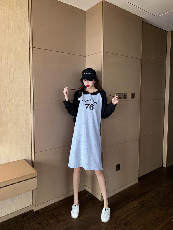韓国 ファッション ワンピース 春 秋 冬 カジュアル PTXI948  バイカラー ラグランスリーブ フーディ ロゴ オルチャン シンプル 定番 セレカジの写真11枚目